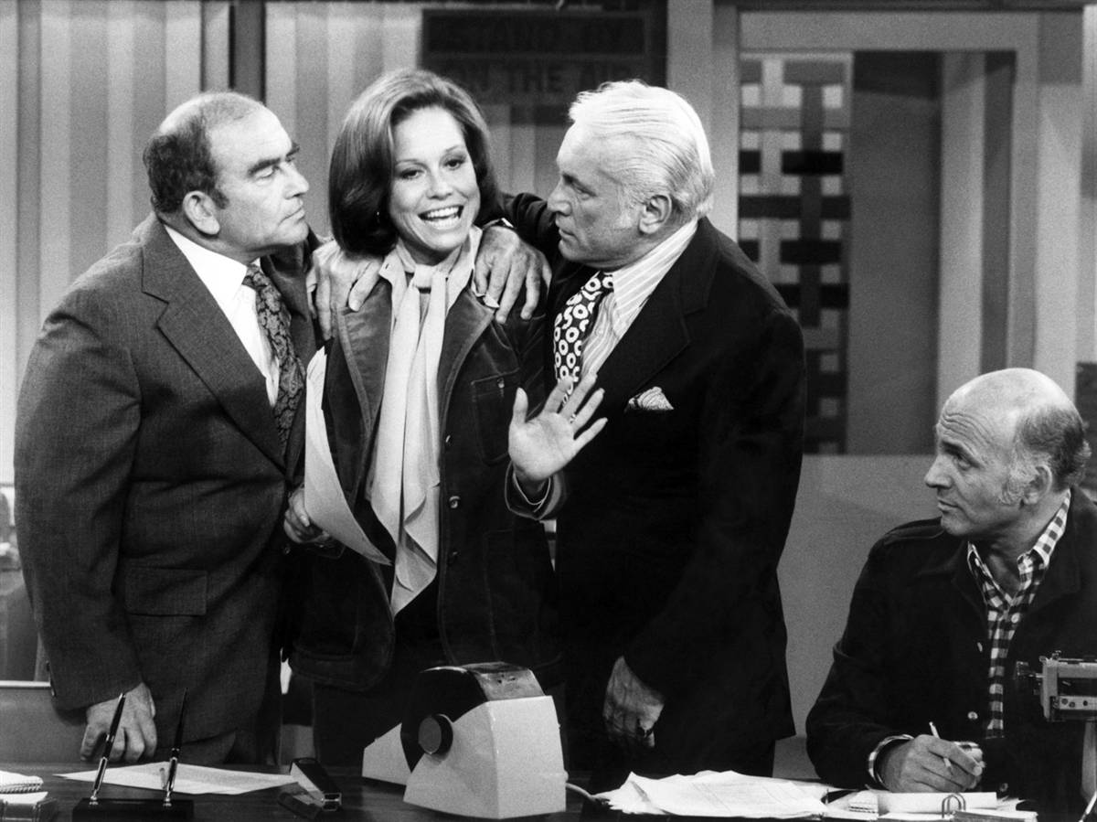 http://4.bp.blogspot.com/_t8wD5BthTcU/TBeEVKEqKCI/AAAAAAAAAus/Hfbp-f1wrRk/s1600/Mary-Richards-The-Mary-Tyler-Moore-Show.jpg