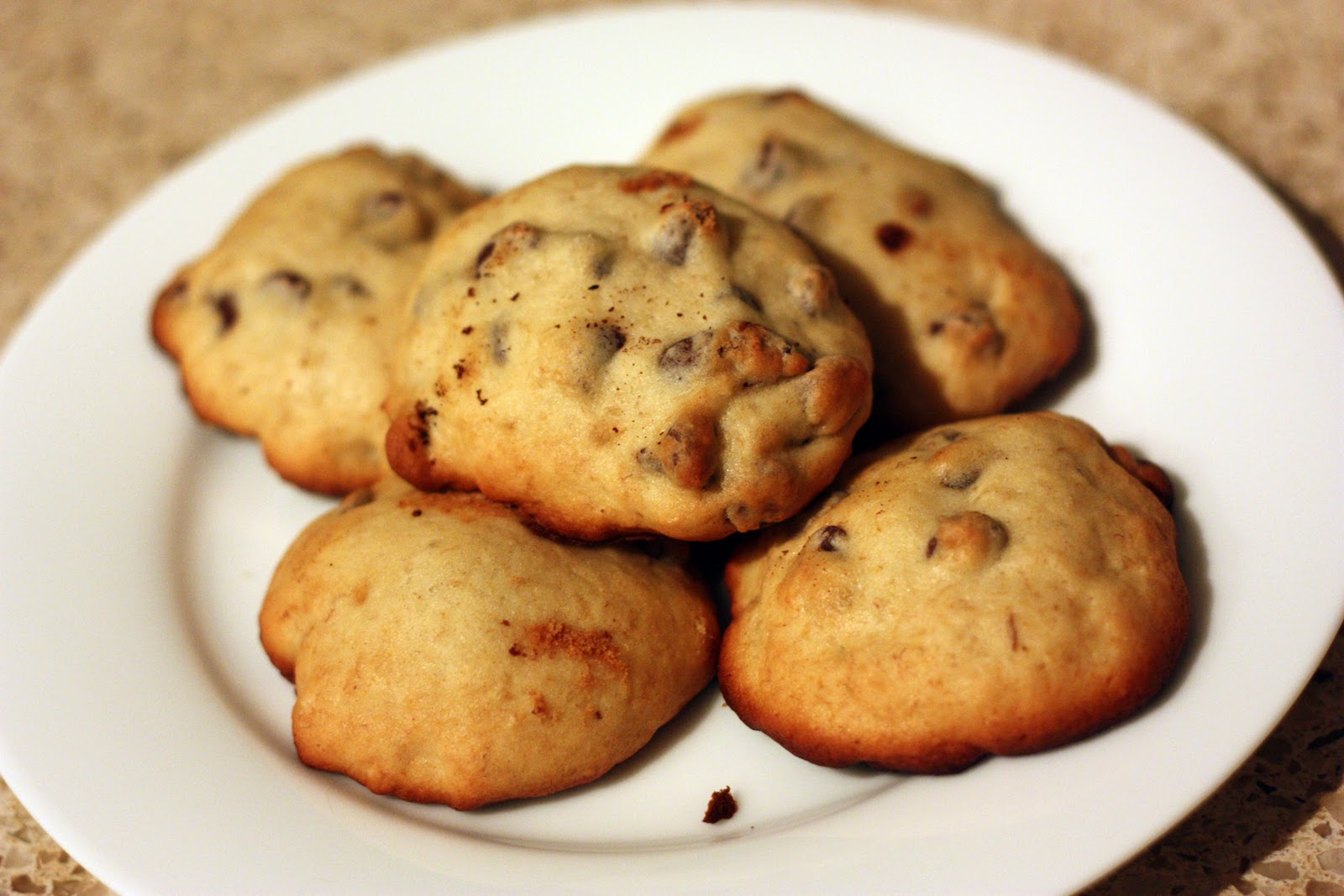 The Domestic Wannabe: banana chocolate chip cookies