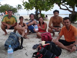 la plage Sainte Anne amis