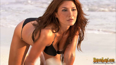 Foto Bikini Tamara Bleszynski | Film Air Terjun Pengantin