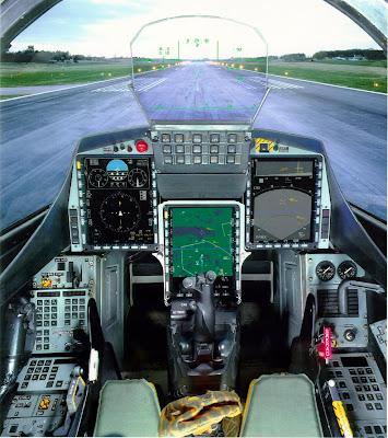 Cockpit do Gripen.