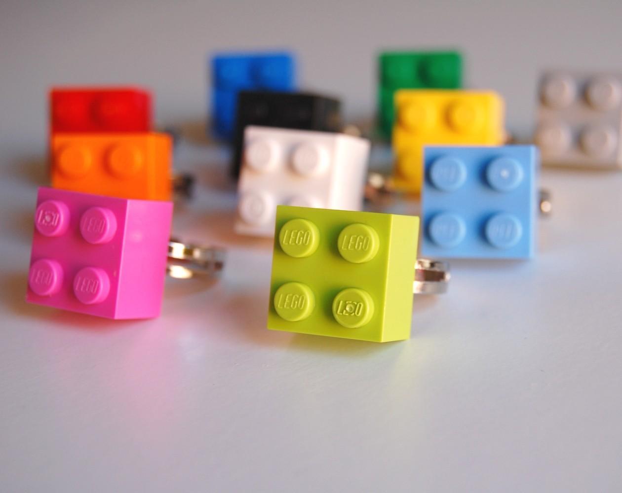 Hula Seventy Lego Love Poppytalk