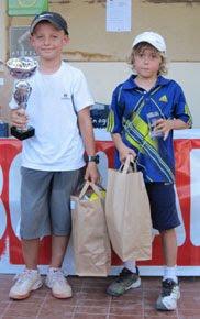 Harry Evans gagne le super trophée Haribo catégorie 8 ans