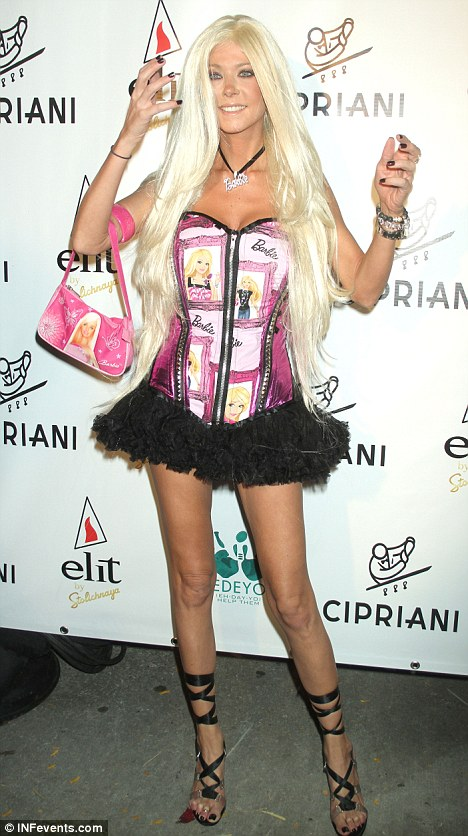 what a doll tara reid wore a barbie outfit to a halloween event at cipriani in new york last night