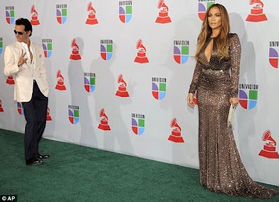 Site Blogspot  Vegas Dresses on Curves In A Thigh Hugging Dress At Latin Grammys   Cool Forward Mail