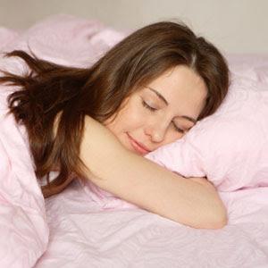girlsleeping 6 Manfaat Tidur Telanjang