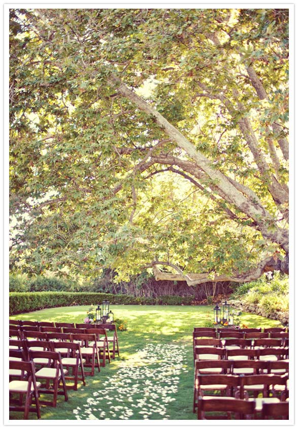 Here are some more outdoor wedding settings Gorgeous
