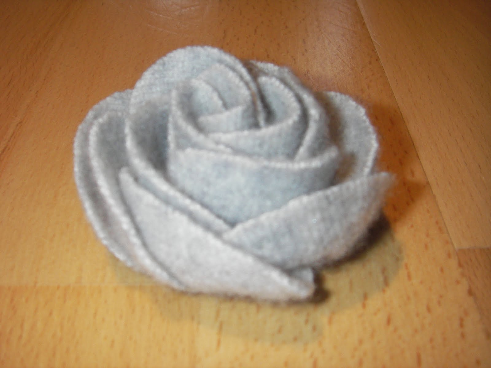 Felt Rose Tutorial of a beautiful felt rose