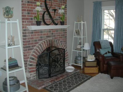 [anna-see-family-room-via-an-inch-of-gray]