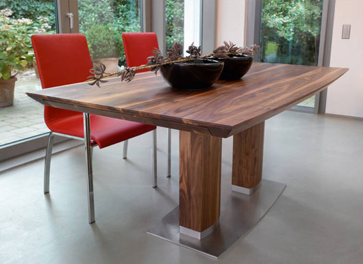 image:minimalist_wooden_dining_table_01.jpg