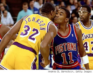 magic-johnson-isiah-thomas-kiss-425.jpg