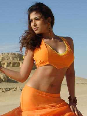 south indian mallu actress nayanthara showing deep cleavage and sexy back side wet image gallery