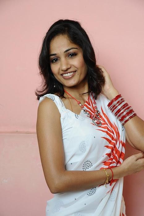 tollywood madhavi latha nachavule fame cute stills