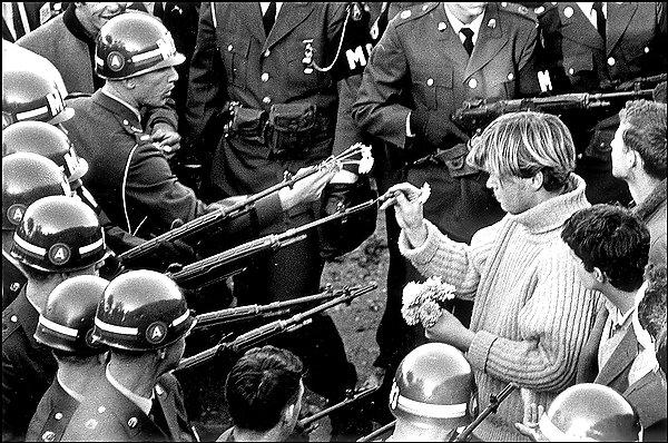 iconic vietnam war photos