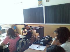 Cărți, copii și o chitara
