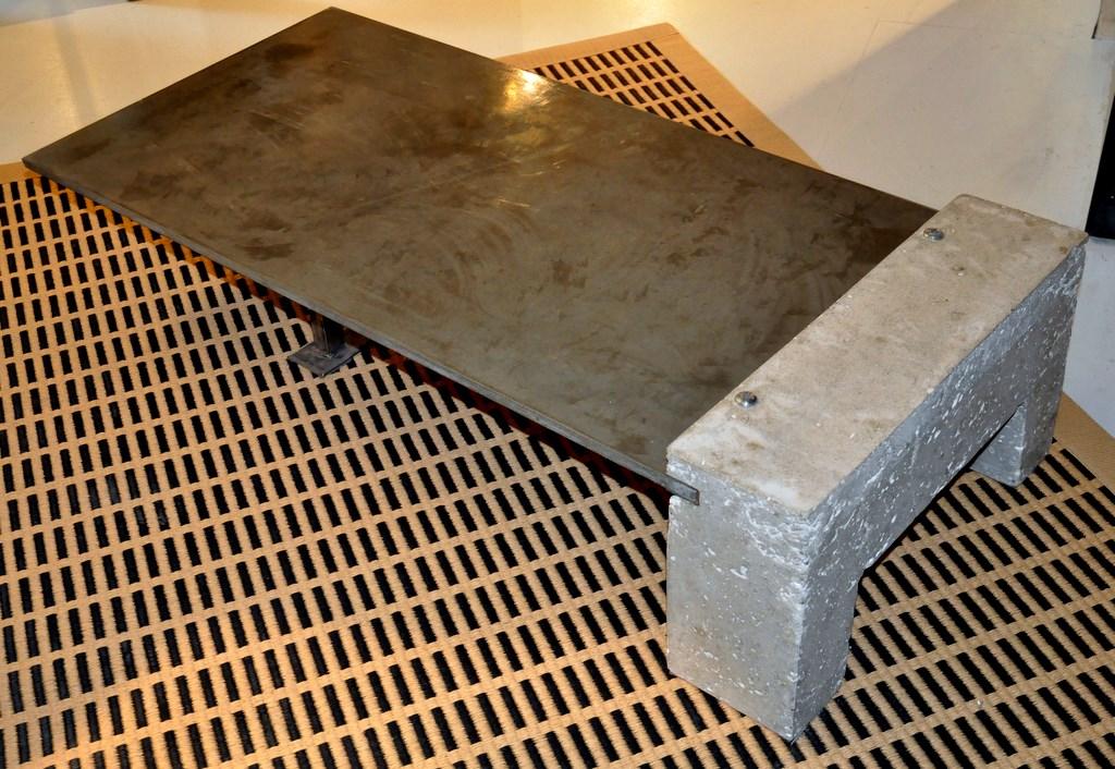 table basse pied brut. Black Bedroom Furniture Sets. Home Design Ideas