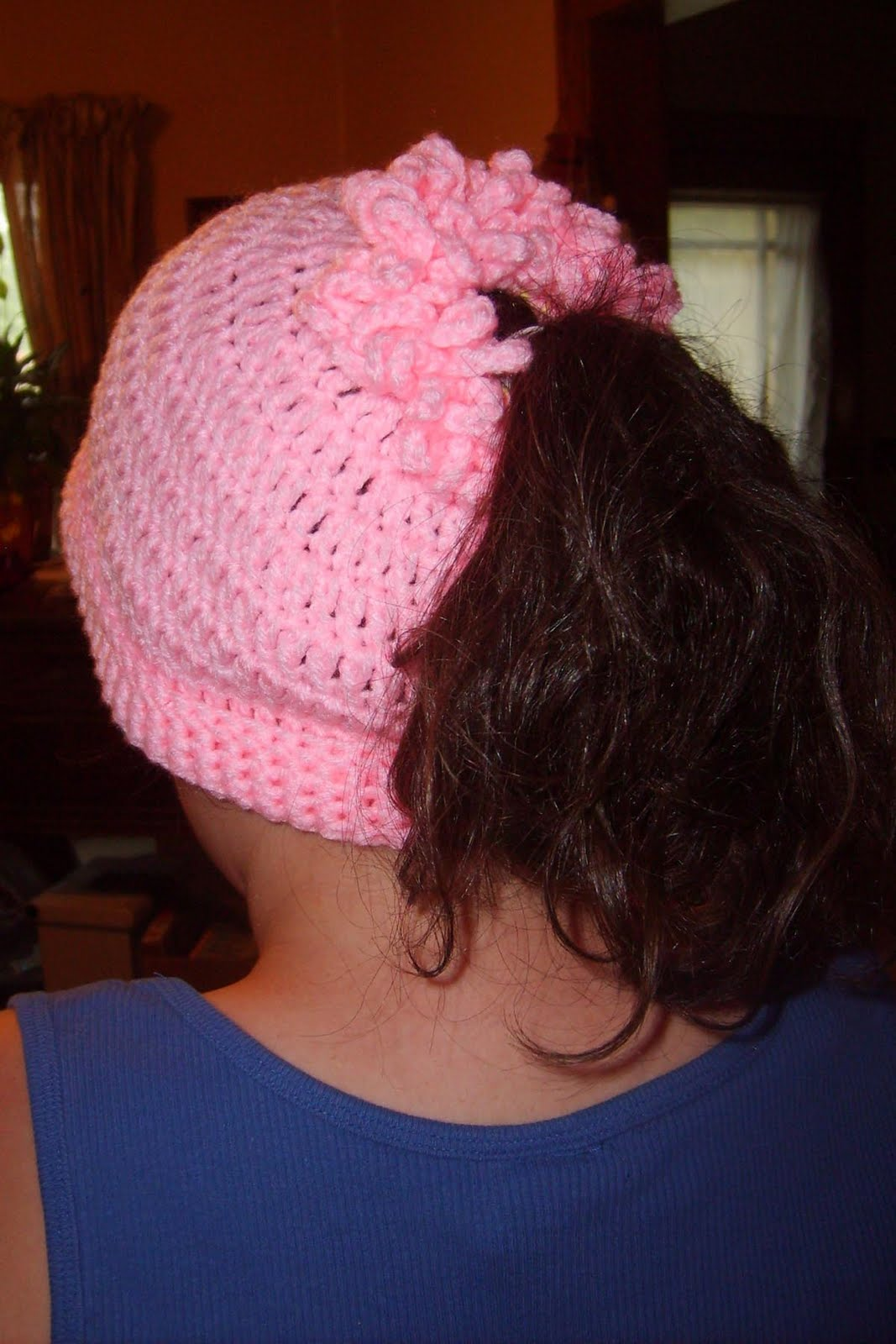 Free Crochet Pattern Ponytail Hat : Suzies Stuff: PONYTAIL CAP