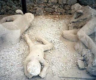 http://4.bp.blogspot.com/_tQVrXC0jXzo/SwTWyjEXRfI/AAAAAAAAANk/qaMXtEjnUpA/s1600/pompeii-dead.jpg