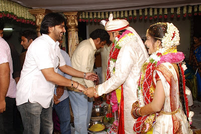 Actress Madhumita Shiva Balaji Wedding Marriage Reception Photo Gallery!