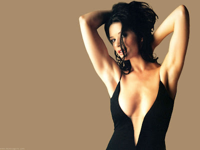 Hot Celebs - Catherine Zeta-Jones Cleavage Wallpapers