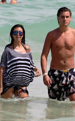 Kourtney kardashian pregnant pictures 6