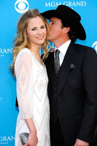 easton corbin and wife - photo #23