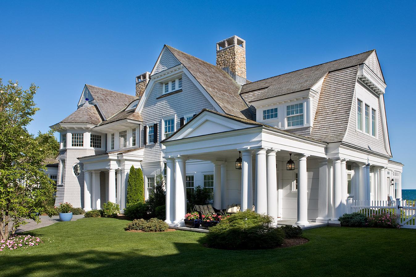 SEE THIS HOUSE A 925 MILLION BEACH
