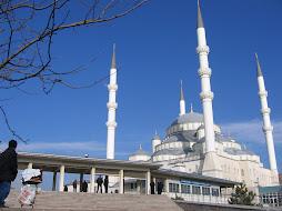 huge mosque in Ankara