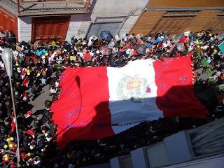Procesión de la bandera en Tacna