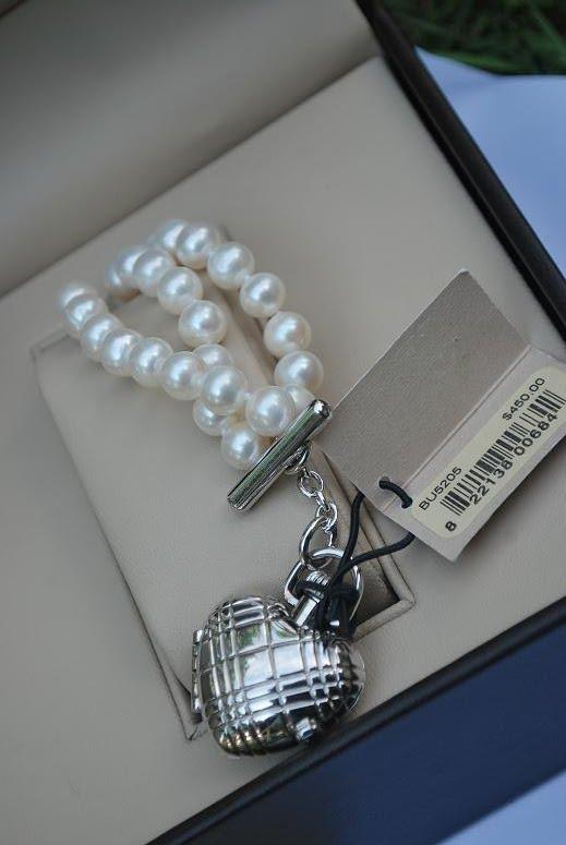 Burberry Pearl Watch Bracelet Pearl Bracelet.the Watch