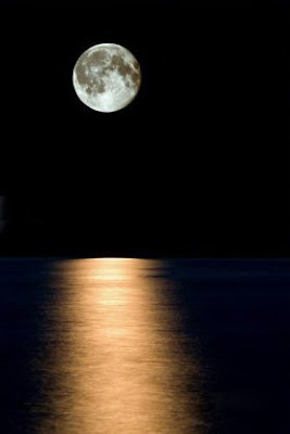 1228342815 tzhjuiootpaslood Beautiful Moon Pictures