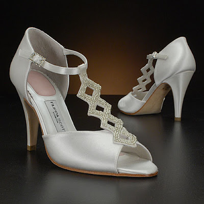 Wedding Shoes with Luxury Crystal Grain.