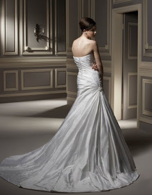 Design and detail the unique wedding dress