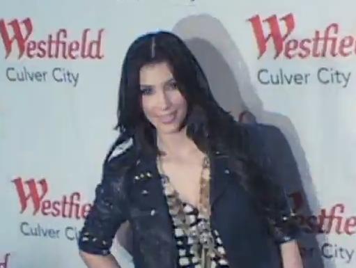 Hot Kim Kardashian At Westfield In Culver City, CA