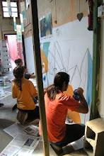 Trabajando en el Mural.