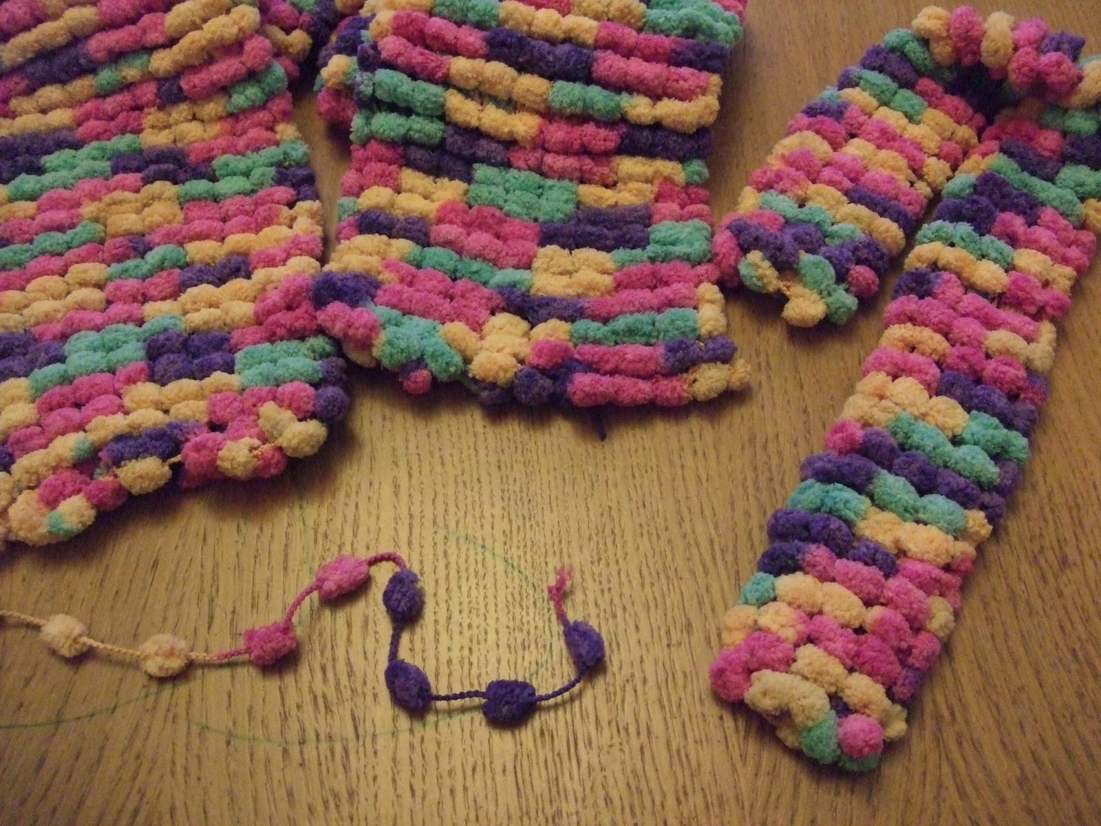 Making Stuff: Pompom scarves