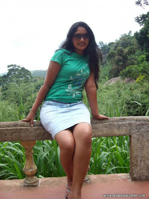Homecoming Moments of Piyumi Botheju | Sri Lanka Hot