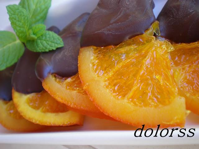 http://blogdecuina.blogspot.com.es/2009/04/naranjas-confitadas-con-chocolate.html