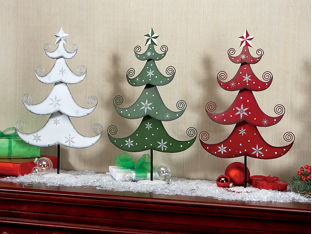 Snowflake Tree Trio 34 98 These Painted Metal Christmas Trees Are Rustic With A Dose Of Fun