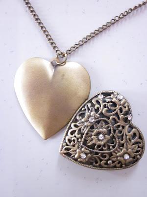 clothes for sale vintage necklaces