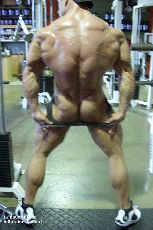 thick naked pin ups