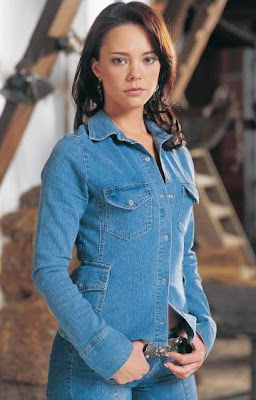 Actriz Natasha Klauss