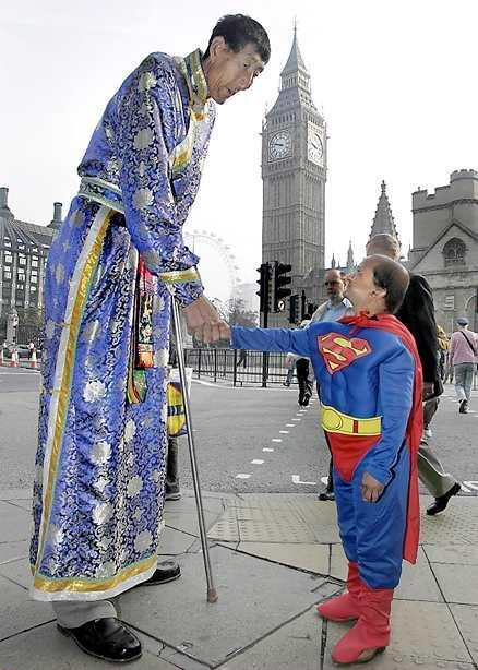 Superman Shakes Hands With Giant
