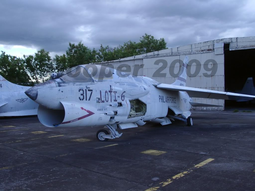 Images of Philippine Airforce F-8 Crusader Fighter