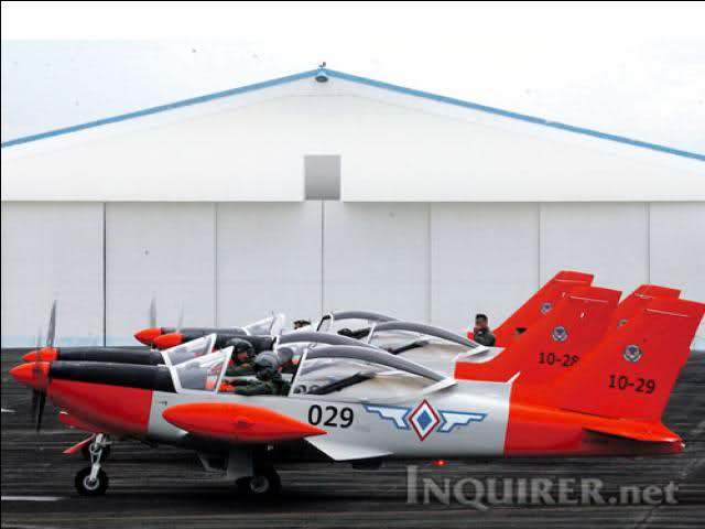 Images of Philippine Airforce Brand New Sf-260 Trainer Plane