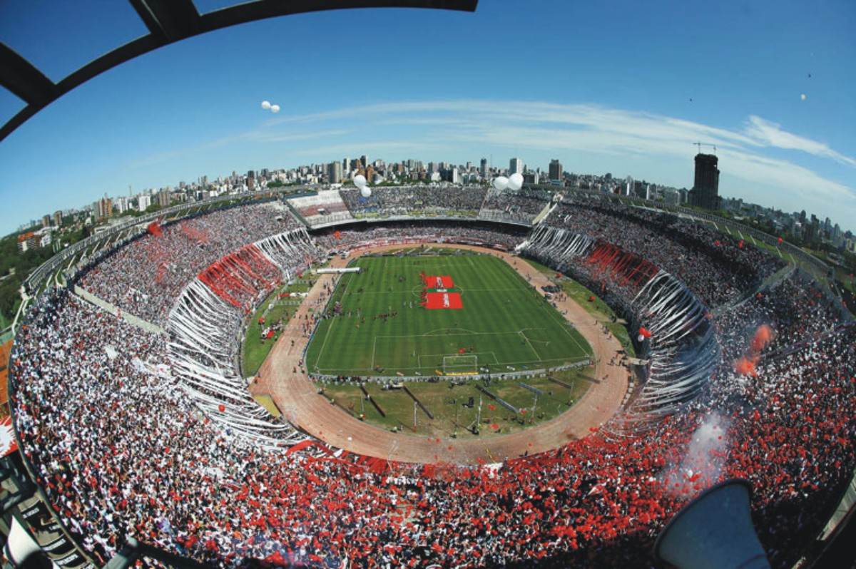 http://4.bp.blogspot.com/_ta0uRFjdpHE/THShnJLtzWI/AAAAAAAABSs/9idNlHN2elo/s1600/Superclasico-Monumental.jpg
