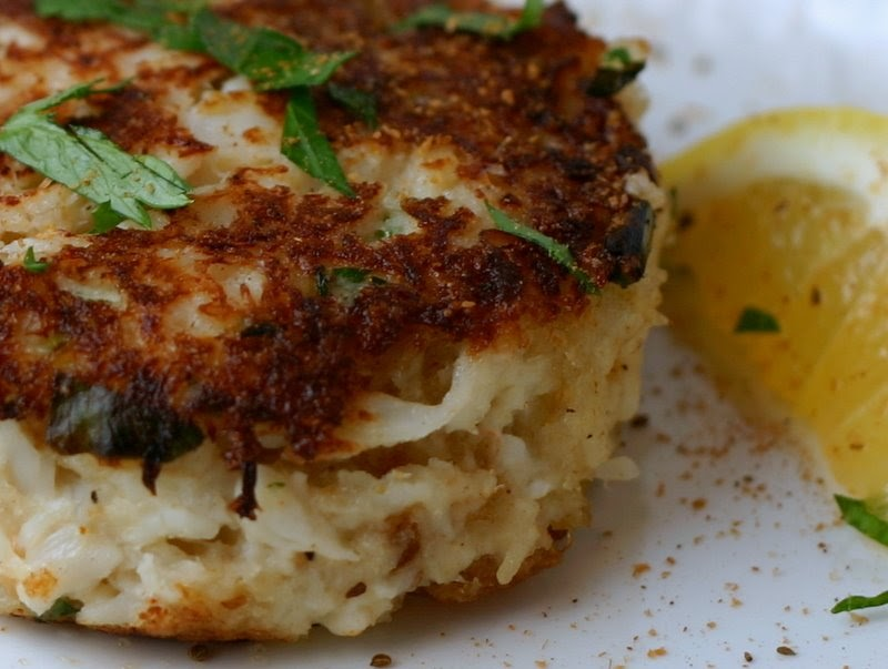 Big, Bold, Beautiful Food: Crab Cakes