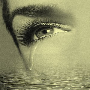 دموع بمشاعر حزينه