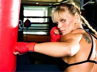 boxeadora olhar sensualDuda Yankovic