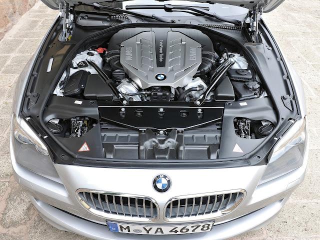Tous les moteurs sont associes en série à la boite de vitesse